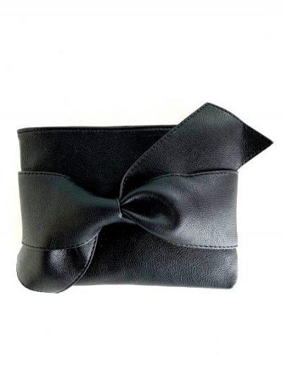 Square clutch with bow