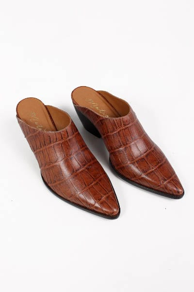 Cammy in Brown Croc e.Allen Nashville Murfreesboro Franklin