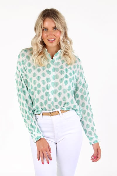Fonda Top in Palm Print, Sundays, e.Allen, Nashville, Franklin, Murfreesboro